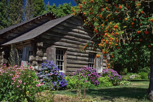 Pioneer Mothers Memorial Cabin
